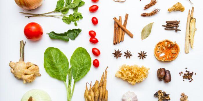 Substancje wpływające na przyswajalność składników odżywczych w dietach roślinnych