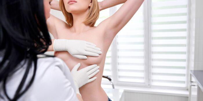 Badanie piersi u ginekologa