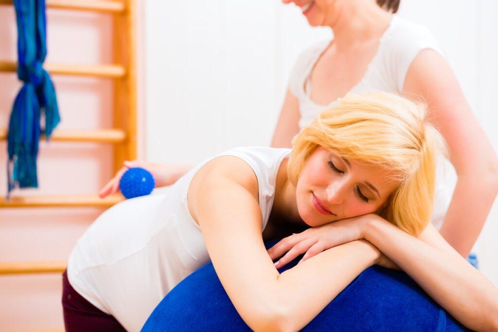 masaż łagodzenie bólu porodowego