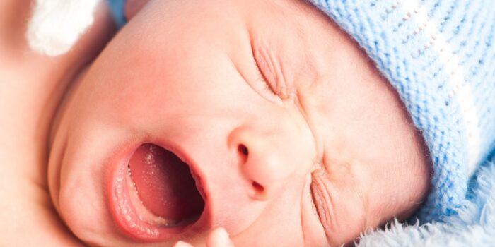 Ropiejące oczy u noworodka